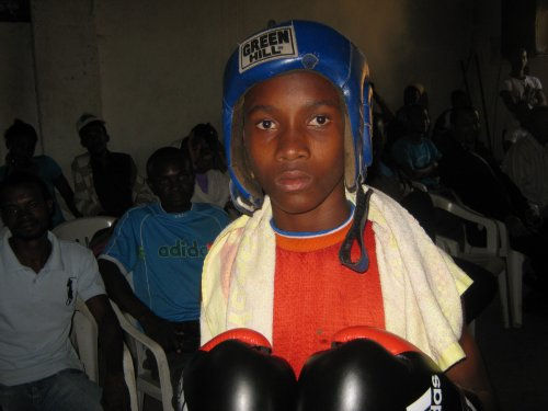 Boxe àTsinimoichongo: Nos boxeurs nous impressionnent