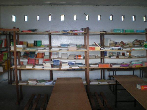 Le collège a sa bibliothèque