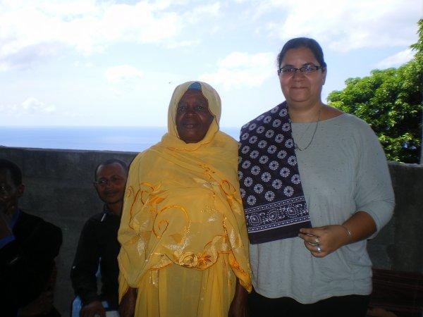 Marché Tsinimoichongo: Le Président de la FAT signe la convention de l'ambassade de France