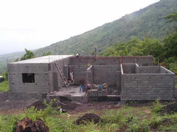 Projet poste de santé à Tsinimoichongo : début du béton