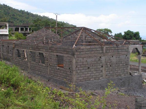 Projet Ecole Primaire Publique à Tsinimoichongo avance bien