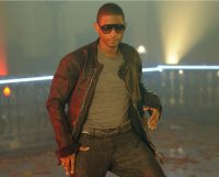 Usher ; DJ Got Us Fallin' In Love (Feat Pitbull) (2010)