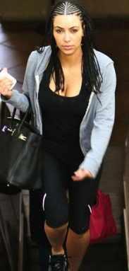 Kim Kardashian change de coiffure : des tresses afro ! Vous qu'en pensez vous ;) ?