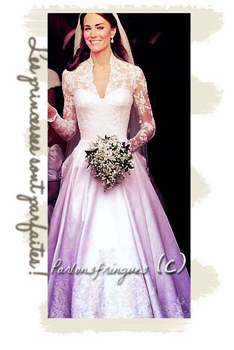 """Kate portait une robe créer par Sarah Burton pour Alexander Mc Queen, une robe avec bustier, traine assez longue , et des  dentelles sur le col et les bras. La coiffure est sans surplus, avec les cheveux relevés sur le haut et le diadème (prêté par la famille royale) qui soutient le voile. Son maquillage est naturel . En général la tenue est simple mais lui va très bien."""" C'est une trés  belle princesse ."""" Texte et montages par moi : Merci de ne pas plagier !"""