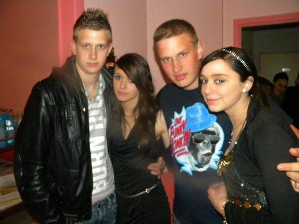 Joris ,moi ,Guillaume et Mélissa