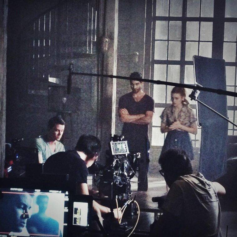 En attendant le début de la saison 4 ... les photos du tournage #Elise
