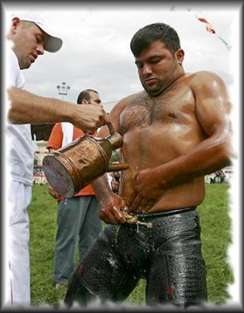 Le festival de lutte à l'huile de Kirkpinar (Turquie)
