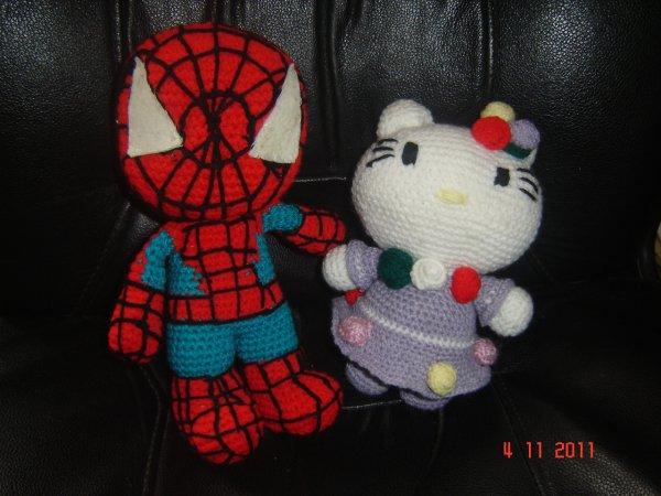 spiderman et hello kitty