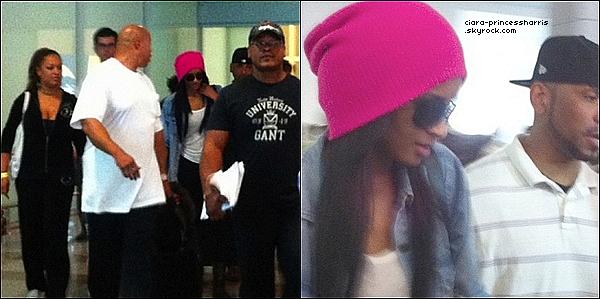 -[/align=center] 03/07/11 : Ciara à été aperçue arrivant à l'aéroport de l'Angola ou elle donner ce soir là un concert.  -[/align=center]