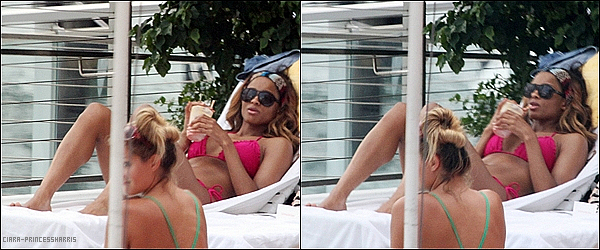 -[/align=center] 17/07/11 : Ci' faisant une Pause a sa tournée et profitant des vacances sur une plage dans Miami B.  -[/align=center]