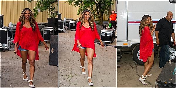 -[/align=center] 25/07/11 : Ciara Harris et son ami  Busta Rhymes était au VIP Room dans  St-Tropez en France. -[/align=center]