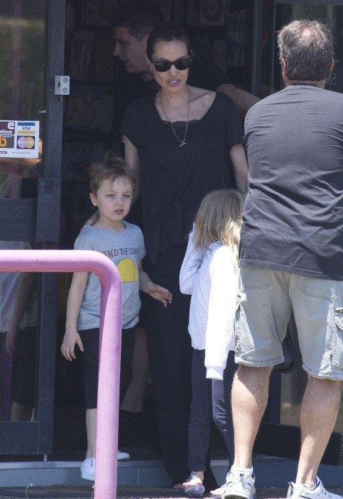 angelina jolie et ses enfant