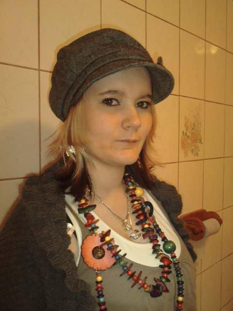 Lundi 13 Décembre 2010 à 13h50 : Elisa Piel 19 ans ,...accident de la route  ...