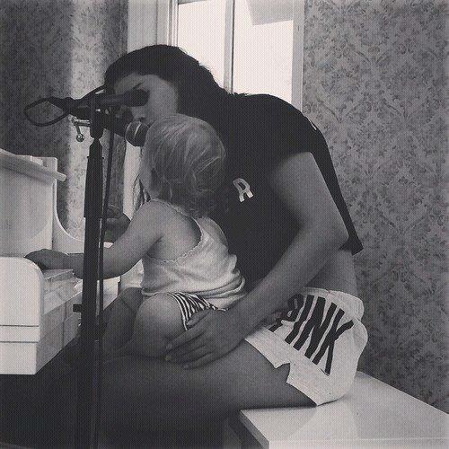 Selena et sa petite soeur Gracie.