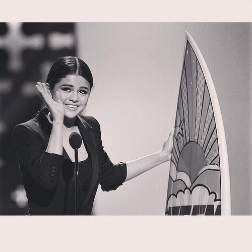 """Teen Choice awards 2014, Nominée & gagnante pour la """"Femme la plus sexy""""."""