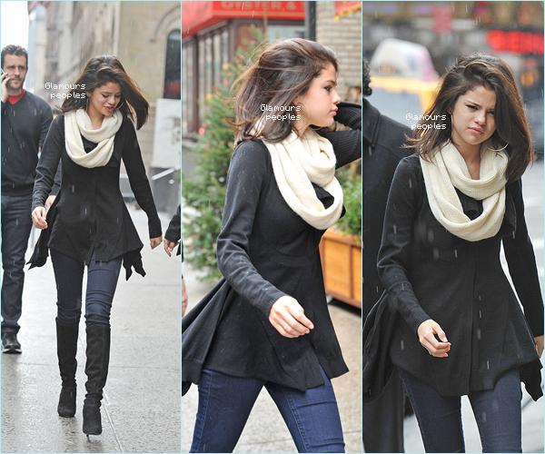 31 d cembre 2011 selena gomez et sa famille ont d ner au trattoria dell 3 - Selena gomez et sa famille ...