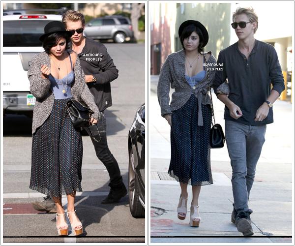 ᅠ 25 Février 2012 : Vanessa Hudgens et son petit ami Austin Butler faisaient des courses à Santa Monica ᅠ