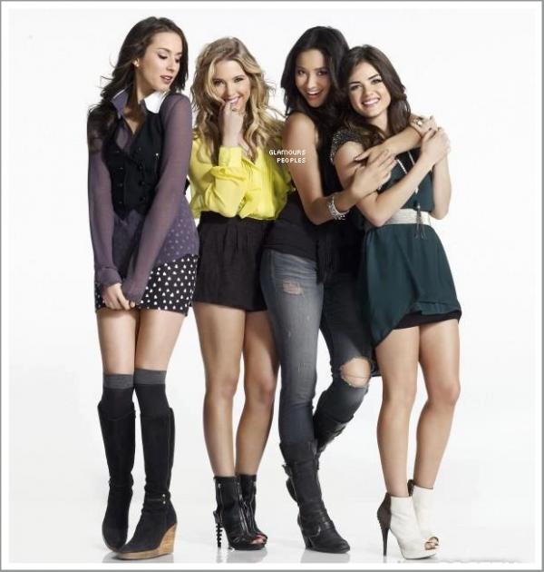 ᅠ Photo promotionnelle de la saison 3 de la série Pretty Little Liars ᅠ