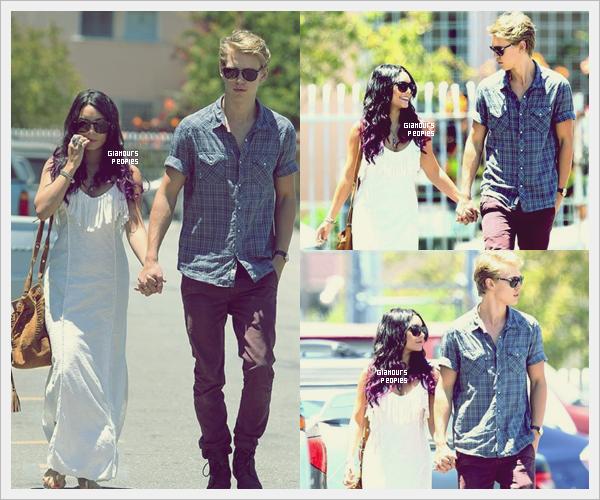ᅠ 24 Juin 2012 : Vanessa Hudgens et son petit ami Austin Butler en amoureux quittent une église à Los Angeles ᅠ