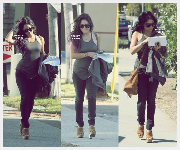 ᅠ 27 Juin 2012 : Vanessa Hudgens et son petit ami Austin Butler quittent un cours de ....... YOGA ! à Los Angeles ᅠ