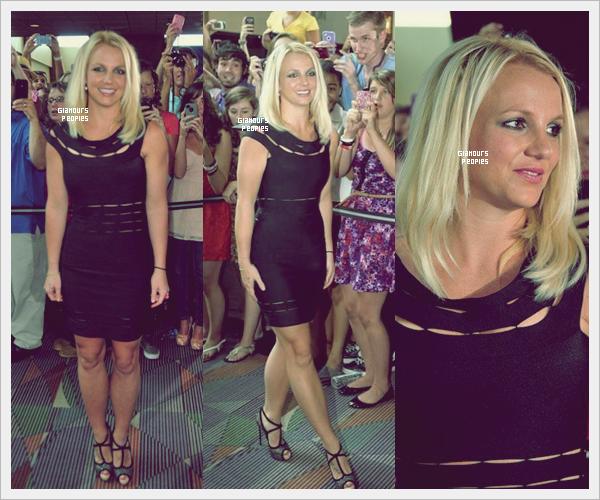ᅠ 08 Juillet 2012 : Britney Spears lors des auditions pour X-Factor à Greensboro en Caroline du nord ᅠ