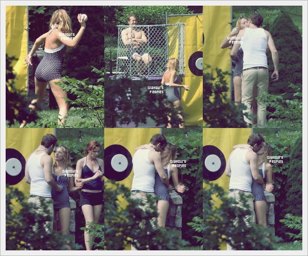 ᅠ 04 Juillet 2012 : Blake Lively et son petit ami Ryan Reynold s'embrasse lors d'une fête à New York ᅠ