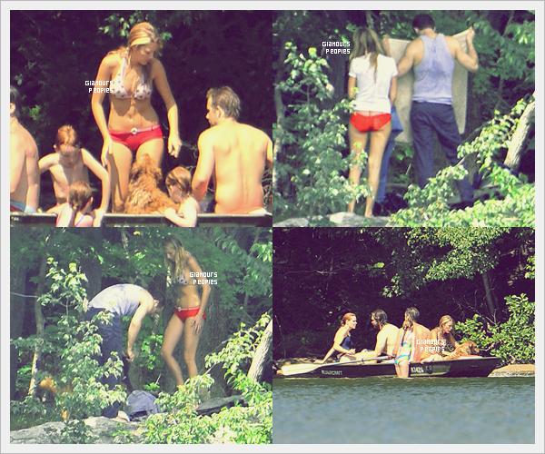 ᅠ 07 Juillet 2012 : Blake Lively près d'un lac avec son petit ami Ryan Reynold et des ami(e)s à New York ᅠ