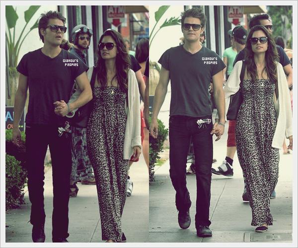ᅠ 01 Juillet 2012 : Paul Wesley et sa femme Torrey DeVitto se promènent dans Santa Monica ᅠ