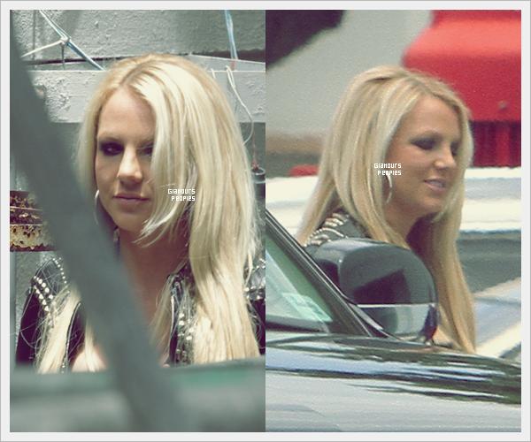 ᅠ 22 Juillet 2012 : Britney Spears arrive à Miami pour le Boot Camp X-Factor ᅠ