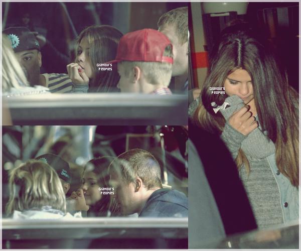 ᅠ 17 Juillet 2012 : Selena Gomez et son petit ami Justin Bieber déjeunent à Melbourne avec des ami(e)s ᅠ