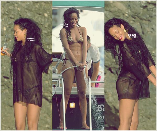 ᅠ 28 Juillet 2012 : Robyn Rihanna Fenty sur son yacht avec ses ami(e)s à Portofino en Italie ᅠ