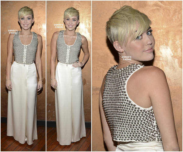 ᅠ 10 Octobre 2012 : Miley Cyrus s'est rendu au gala de charité City OF Hope ᅠ