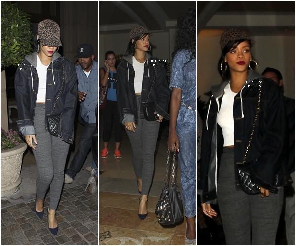 ᅠ 25 Octobre 2012 : Robyn Rihanna Fenty s'est rendu dans un studio d'enregistrement à Los Angeles ᅠ