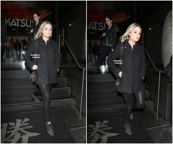 ᅠ 09 Janvier 2013 : Ashley Benson  quittant le restaurant Katsuya avec une amie à Los Angeles ᅠ