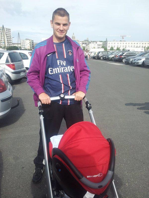 *Moi avec mon filleul, Ce n'est pas Mon fils Lol , Lucas <3 <3