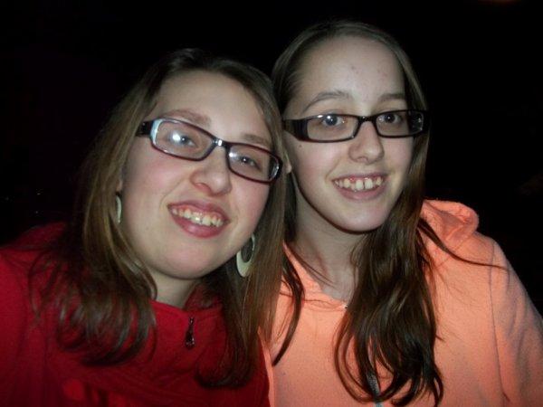 Avec une de mes amies :)