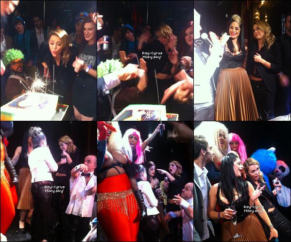 22/11/11 : Miley C. fêtait son 19ème anniversaire au Beacher's Madhouse Club à l'hôtel Roosevelt à LA.