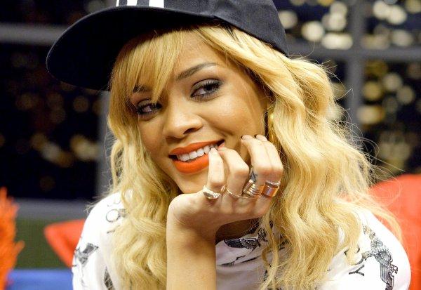 Le 12 Mars ~ Rihanna retourne à son hôtel à New York