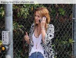 Miley et liam se promenant dans les rues de Los Angeles