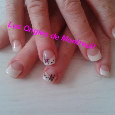 french blanche peinture acrylique noir, strass rose