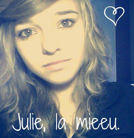 - Julie, une meilleure amie virtuelle -