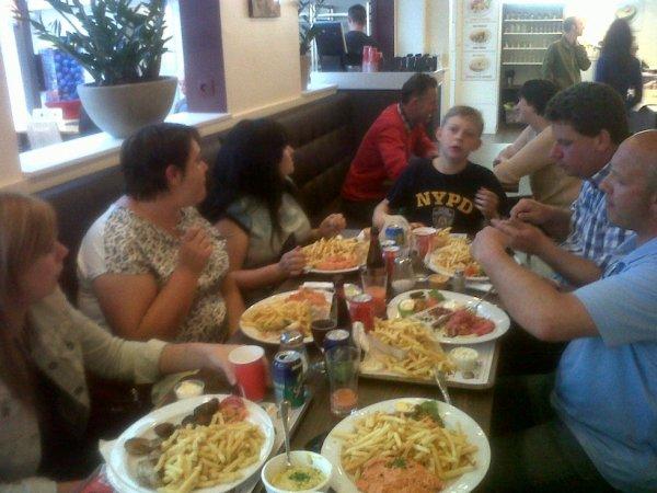 Repas entre couples au retour de l'enlogement de Montauban Nat