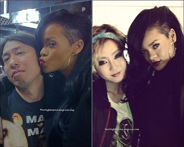 . 1/04/12 :  Rihanna , qui s'est offerte une nouvelle coupe de cheveux , se baladait à Tokyo , au Japon. Elle a également annoncé l'arrivée de son 7ème album prévu pour 2013 , et le clip Take Care qui devrait sortir prochainement. .
