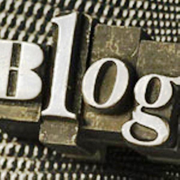 Qui est tu pour juger mon blog avant de le connaitre ? Je recherche juste amitié rien d'autres fait connaissances avant me juger