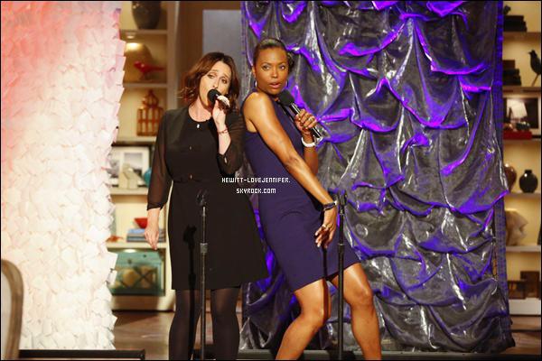 * 01/10/2014 : Jennifer était invitée sur le plateau « The Talk » qui se situe dans Los Angeles  Elle a fait la promo pour Esprit Criminel. Jennifer a retrouvé son ex co-star Aisha Tyler ( la femme dans la robe violette qui chante avec Jen' ) dans la série Ghost Whisperer dans le rôle d'Andréa durant une saison *