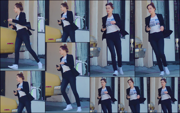 - ''•-05/06/19-' : Dakota Johnson a été aperçue sur le tournage du film « Covers » qui se déroule dans Hollywood. Le tournage du prochain film de la jolie Dakota est enfin commencé et la belle brunette a été photographiée lors du tournage d'une scène. -