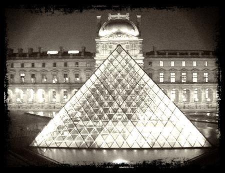 Le secret des 5 pyramides du Louvre