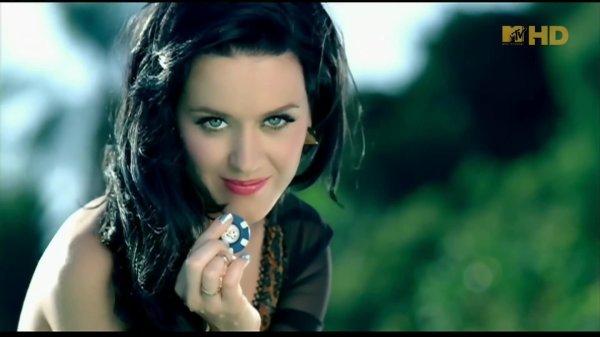 "6. Singles ""Starstrukk (3OH!3 feat. Katy Perry)"" 11/01/2010"