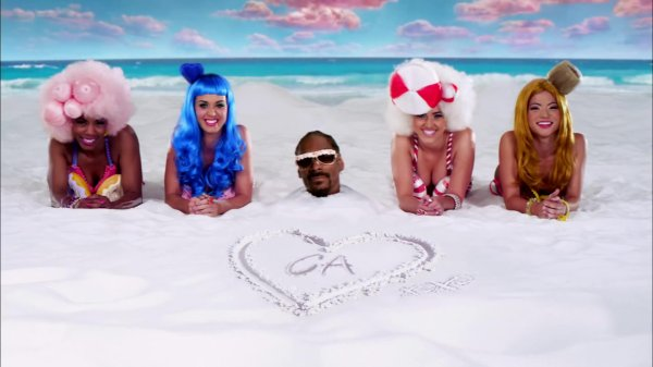 "1. Single ""California Gurls (Katy Perry feat. Snoop Dogg)"" 10/05/2010"