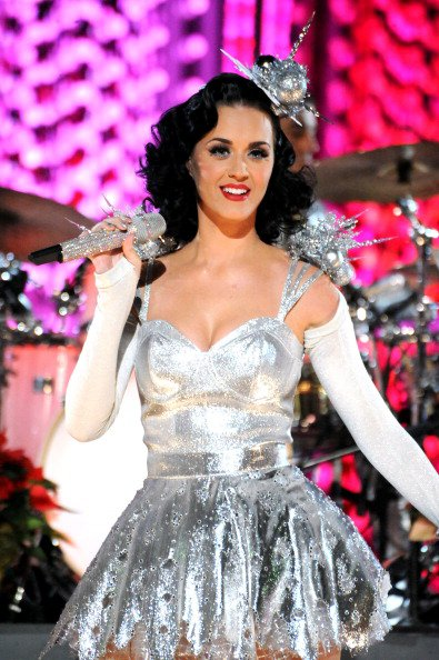 Katy Perry - GRAMMY NOMINATIONS CONCERT LIVE!